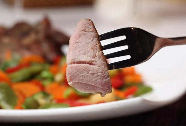 Мясо на пару в мультиварке